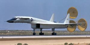 XB-70 largest Mach 3 airplane