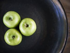 Bowl of Three Green Apples, Placed in Triangular Formation by xPacifica
