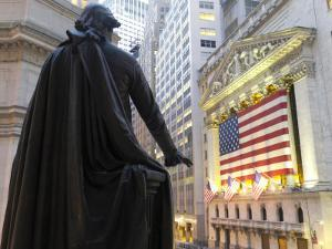 Bronze Statue of George Washington and the New York Stock Exchange by xPacifica