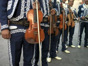 Mariachi Violin Players Line Up by xPacifica