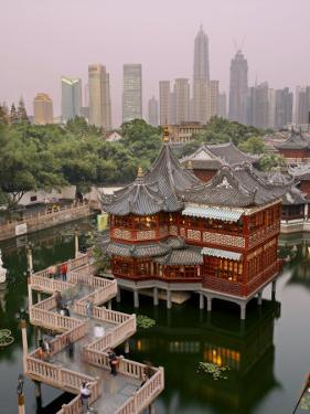 Traditional Tea House in Yu Yuan, a Famous Historical Destination by xPacifica