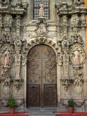 Wooden Doors Found on the Basilica De Nuestra Senora De Guanajuato by xPacifica