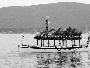 Yacht Etto, Regatta Day, Fort Willam Henry Hotel, Lake George, N.Y.