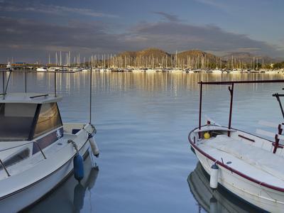 https://imgc.allpostersimages.com/img/posters/yacht-harbour-in-port-d-alcudia-majorca-spain_u-L-Q11YUGA0.jpg?p=0