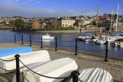 https://imgc.allpostersimages.com/img/posters/yacht-marina-kinsale-town-county-cork-munster-republic-of-ireland-europe_u-L-PQ8QWN0.jpg?p=0
