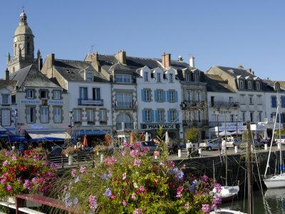 https://imgc.allpostersimages.com/img/posters/yachting-and-fishing-port-le-croisic-brittany-france-europe_u-L-P7XDT80.jpg?p=0