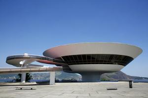 Museu do Arte Contemporanea (Museum of Contemporary Art), Niteroi, Rio de Janeiro, Brazil by Yadid Levy