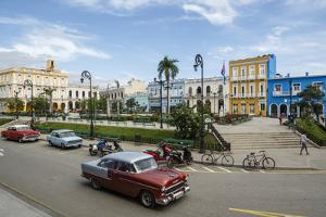 Parque Serafin Sanchez Square, Sancti Spiritus, Cuba, West Indies, Caribbean, Central America by Yadid Levy