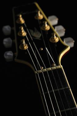 Close-Up of the Electric Guitar by Yagi Studio