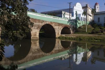 https://imgc.allpostersimages.com/img/posters/yayabo-bridge-built-1815-sancti-spiritus-cuba-west-indies-caribbean-central-america_u-L-PQ8P3Z0.jpg?p=0