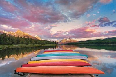 Kayaks by Yiming Hu