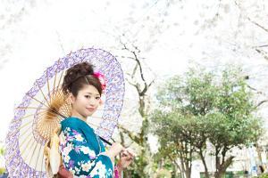 Beautiful Japanese Kimono Woman by yo-ichi