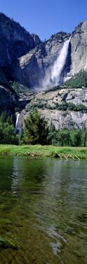 Yosemite Falls, Yosemite National Park, California, USA