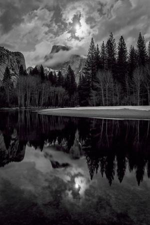 https://imgc.allpostersimages.com/img/posters/yosemite-valley-national-park-california_u-L-Q1BB7KS0.jpg?p=0