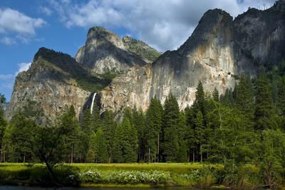https://imgc.allpostersimages.com/img/posters/yosemite-valley-yosemite-national-park-california-usa_u-L-PN6R5H0.jpg?p=0