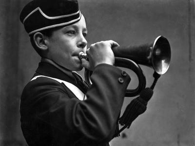 https://imgc.allpostersimages.com/img/posters/young-cornet-player_u-L-Q107AUH0.jpg?p=0
