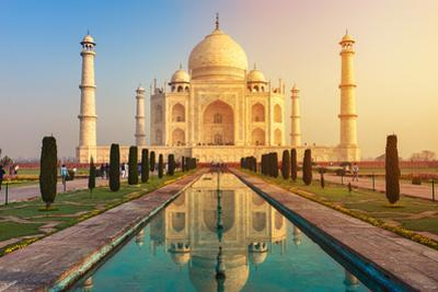 The Taj Mahal is an Ivory-White Marble Mausoleum on the South Bank of the Yamuna River in the India