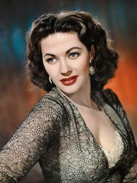 Yvonne by Carlo (1922 2007) actrice d'origine canadienne naturalisee americaine ici en, 1952 (photo