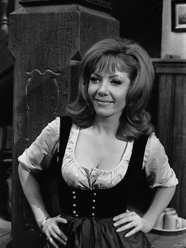 1968 Film Where Eagles Dare: Ingrid Pitt Reproduction photographique