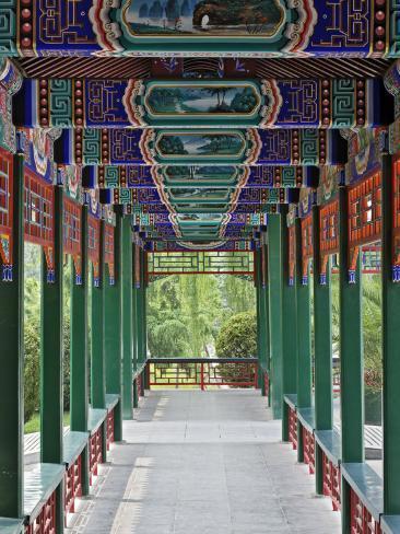 Colorfully painted corridor details zhongshan park - Maison familiale design a beijing en china par arch studio ...