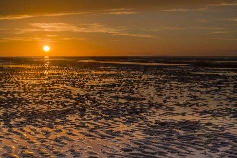 sunset above wangerooge in the mud flats schillig the. Black Bedroom Furniture Sets. Home Design Ideas
