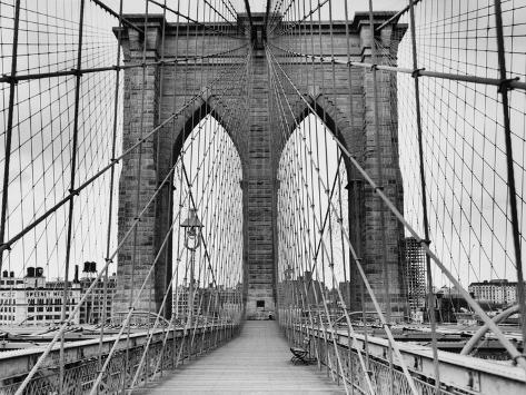 Pedestrian Walkway on the Brooklyn Bridge Reproduction photographique