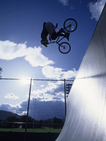 Bmx Cyclist Flys over the Vert Reproduction photographique