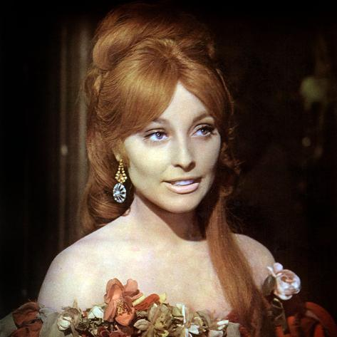 Fearless Vampire Killers or Pardon Me Your Teeth are in My Neck. Roman Polanski, Sharon Tate, 1967 Photographie