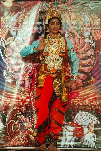 ramayana and the theme of lust Ramayana questions including who wrote the great epic ramayana and what is the name of ravana's grandfather.
