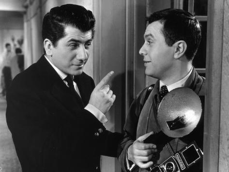 Daniel Gélin et Robert Hirsch : En effeuillant la Marguerite, 1956 Reproduction photographique