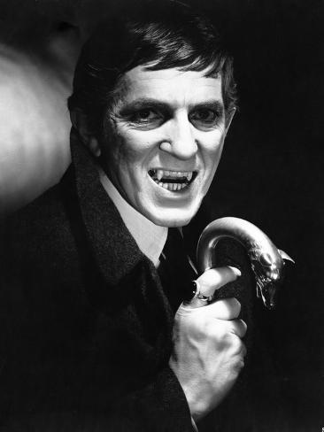 Dark Shadows Cast Member as Vampire in Shadows Photographie