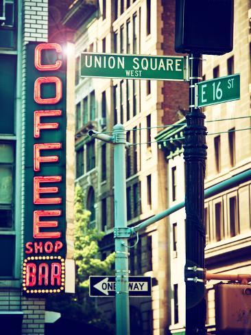 Coffee Shop Bar Sign, Union Square, Manhattan, New York, United States Reproduction photographique