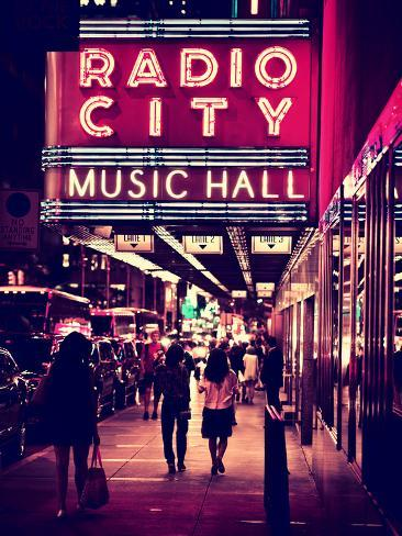 Urban Scene, Radio City Music Hall by Night, Manhattan, Times Square, New York, White Frame Autre