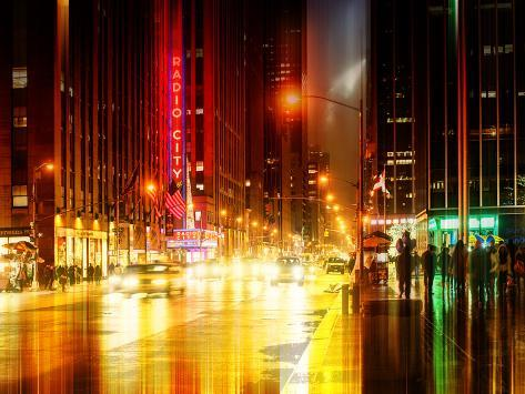 Urban Stretch Series - The Radio City Music Hall by Night - Manhattan - New York Reproduction photographique