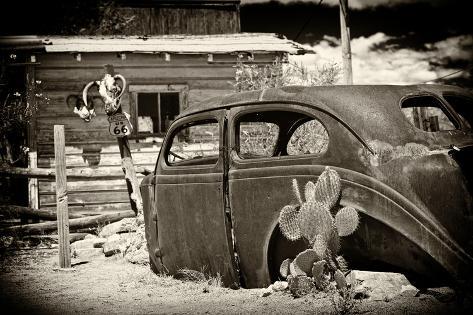 voiture de collection abandonn e dans un garage au bord de la route 66 en arizona ii. Black Bedroom Furniture Sets. Home Design Ideas