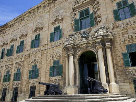Auberge De Castille One of Valletta's Most Magnificent Buildings, Valletta, Malta, Mediterranean, E Reproduction photographique
