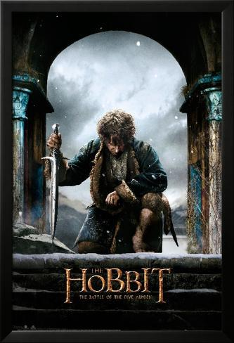 The Hobbit Battle of the Five Armies - Bilbo kneel Poster en laminé encadré