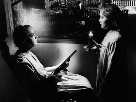 The Night Of The Hunter, Lillian Gish, Robert Mitchum, Gloria Castillo, 1955 Photographie