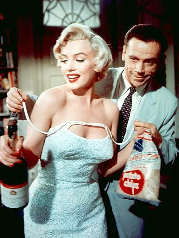 The Seven Year Itch by Billy Wilder with Marilyn Monroe and Tom Ewell, 1955 Photographie
