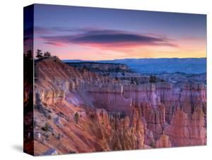 Utah, Bryce Canyon National Park, from Sunrise Point, USA by Alan Copson