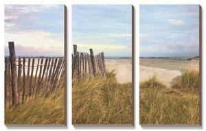 West Wittering Beach by Assaf Frank