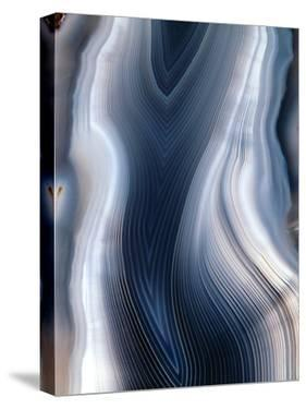 Concentric Banding In Agate by Dirk Wiersma