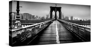 Fog over the Brooklyn Bridge, Brooklyn, Manhattan, New York City, New York State, USA