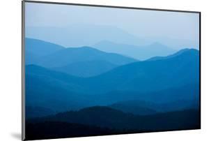 Blue Mountains, Blue Ridge Parkway, Virginia by Paul Souders