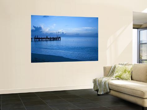Tourists Watching Sunset from Occidental Grand Cozumel Resort Pier Veggmaleri