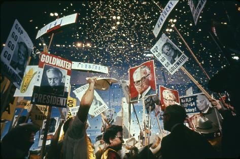 Raining Gold Coins as Barry Goldwater Wins the Republican Nomination, San Francisco, CA, 1964 Fotografisk trykk