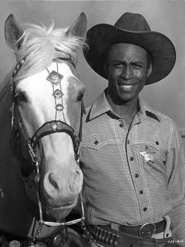 Cleavon Little Posed in Cowboy Outfit With Horse Foto