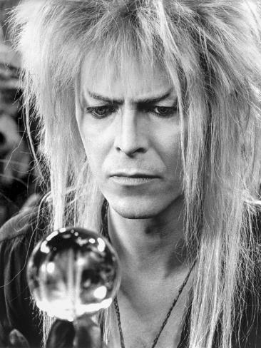 David Bowie Close Up Portrait Holding a Sphere Foto