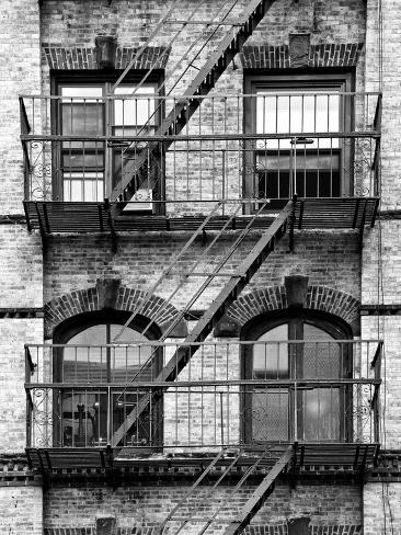 Fire Escape, Stairway on Manhattan Building, New York, United States, Black and White Photography Fotografisk trykk