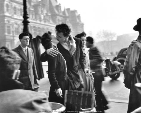 Kysset ved Hotel de Ville, Paris, 1950 Kunsttrykk